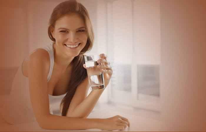Пьёт заговорёную воду